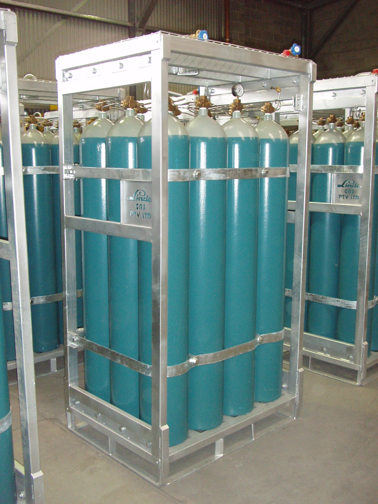 Standard compressee gas cylinder bundle